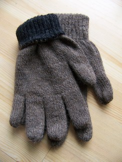 Reversible double knit gloves