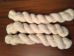 Photo of White 3 ply Worsted