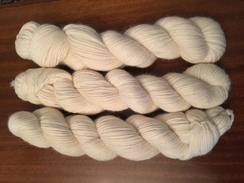 Photo of White 4 ply Bulky