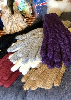 Gloves- 100% Alpaca Cable Gloves