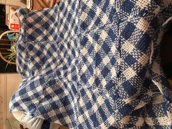 Crib blanket (3 x 5)