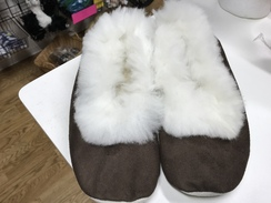 Alpaca slippers size 40 European