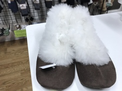 Alpaca slippers size 39 European