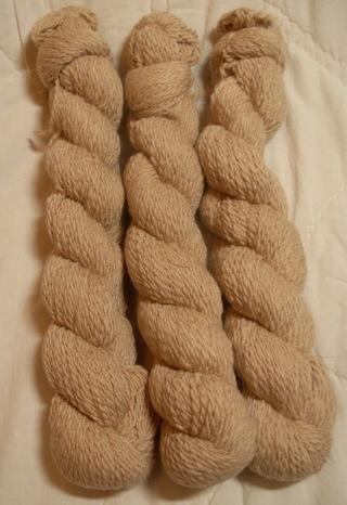 Beige 2 ply yarn hank